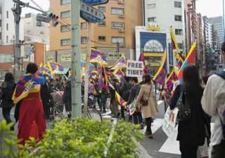 13日午後六本木で行われた PeaceMarch