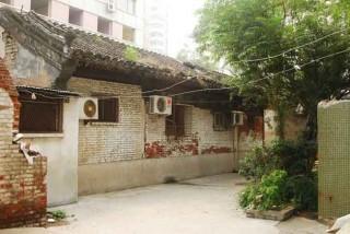 完全に残っている唯一の建物「倒座房」(門楼脇の建物)