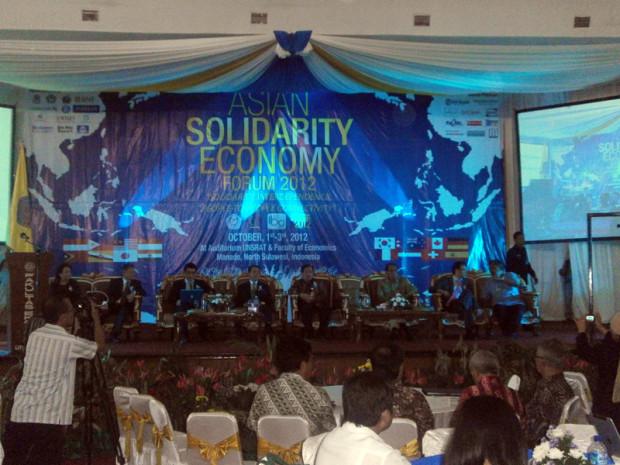 インドネシア・マナド市で開催されたアジア連帯経済フォーラム2012