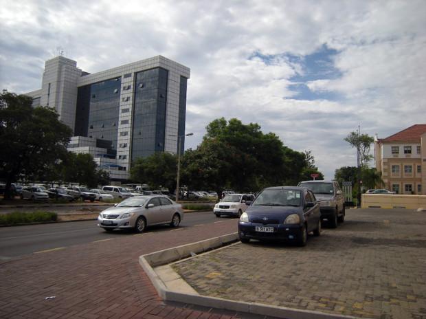 ボツワナ首都ハボロネ市中心部の行政・ビジネス地区(2013年01月筆者撮影)