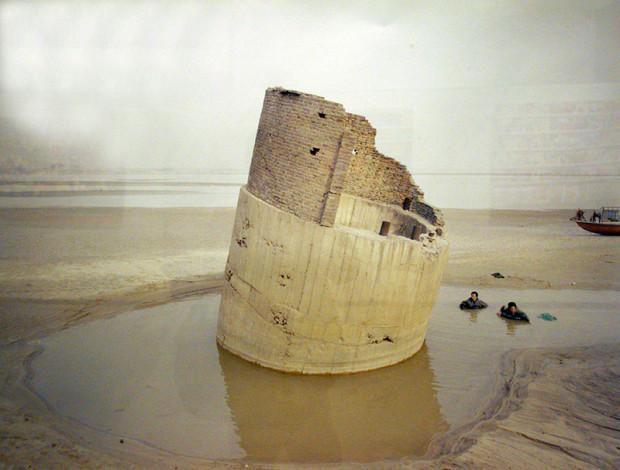 同上、張克純「川辺で魚を捕る人」、2011年(写真/張全)
