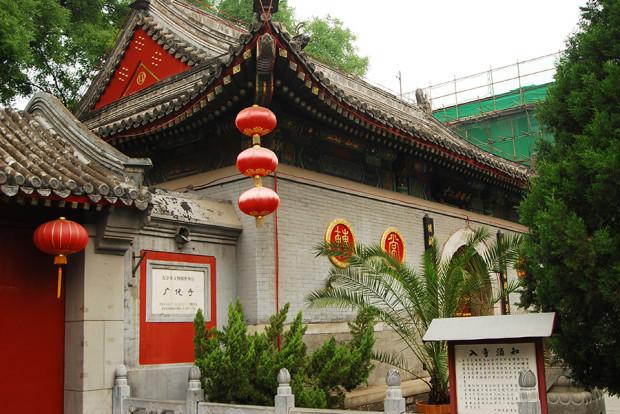 「京師図書館」があった広化寺。現在も多くの僧侶と信者を抱える生きたお寺として有名(撮影:張全)