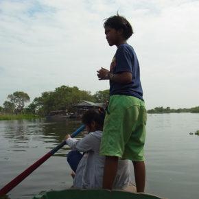 カンボジア/ボランティアではなくビジネスを