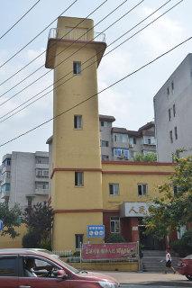 甘井子の消防署跡。現在も消防局として利用(張全撮影)