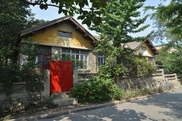 同上。統一感のある旧日本人町の住宅街(張全撮影)