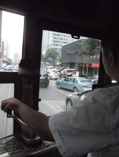 路面電車の運転席(筆者撮影)