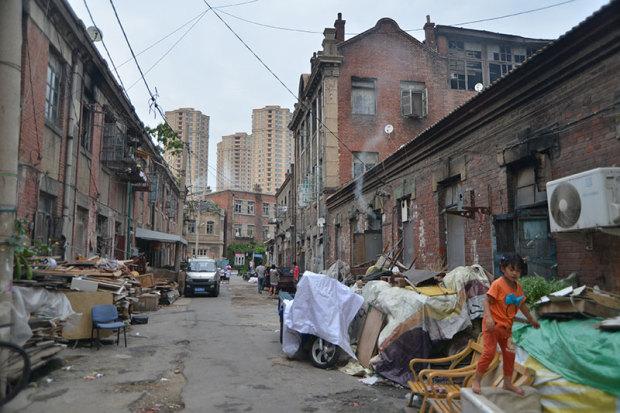 廃品回収業者などが集住するエリア(張全撮影)