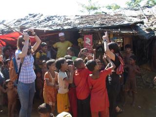 ミャンマー国境の難民キャンプで