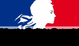 フランス政府の公式ロゴ。「自由・平等・博愛」が書かれている。