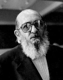 「被抑圧者の教育学」の著者パウロ・フレイレ(1921~1997)