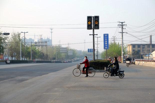 蘇山頭の廃黄河橋をすぎれば、そこはもう雑踏する徐州の市街だ