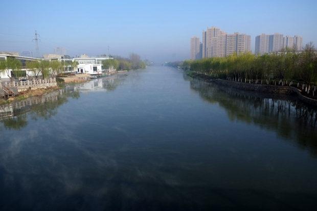 串場河は人力で開鑿した人工運河だ。江蘇沿岸で生産された海塩はこの内陸水路を経て全国に物流された