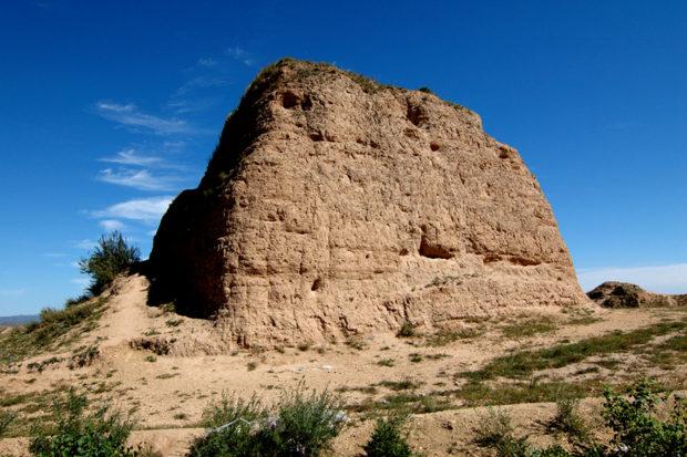 新栄長城の烽火台。得勝堡から西に数キロ離れたところにある