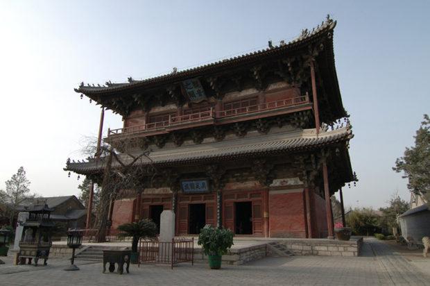 独楽寺観音之閣。984年に創建された千年の古刹