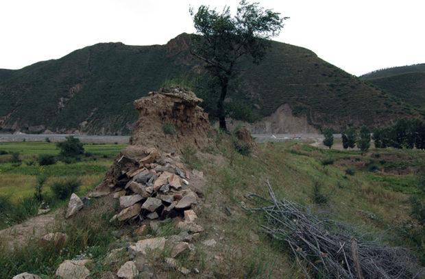 独石口の土長城。宣府鎮をすぎると、このように小規模な長城が散見される