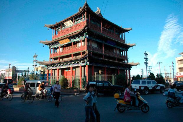 鼓楼。ここを中心に旧市街が形成されている。大同のランドマークだ