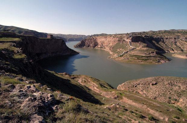 老牛湾。手前が山西省で、黄河の対岸は内モンゴル自治区と陝西省の黄土高原だ