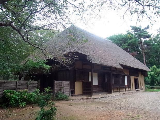 千葉県芝山公園にある旧藪家住宅。理想のスタイルは、こんな清潔で清楚な日本古来の佇まい