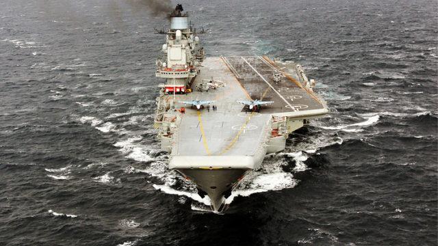 シリアへ向けて航行するクズネツォフ(TASS)