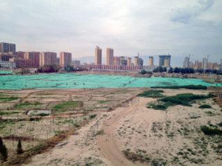 どんな僻地にもビルが何十本と建ち、街が生まれ続ける