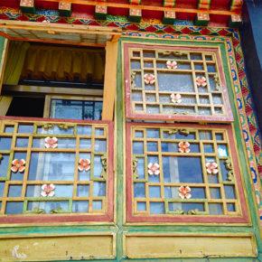 チベットで見たこと、思ったこと② 爆、爆、爆!