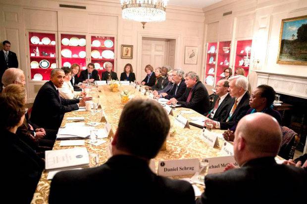 オバマ前大統領のチャイナルームでの会議(The White House)