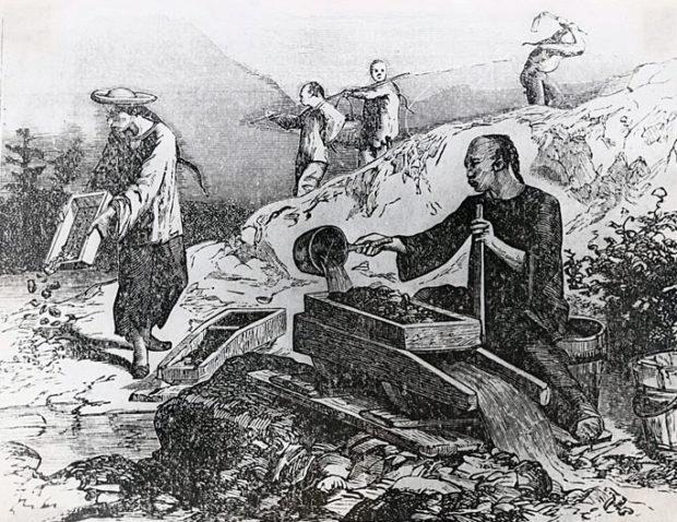 カリフォルニアで砂金を取る清国人クーリー(wikipedia)