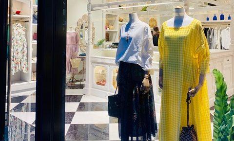 ハウスオブロータスは「異国情緒」「ノスタルジー」「リゾート」をコンセプトとしたハイセンスな中高年女性向けブランド