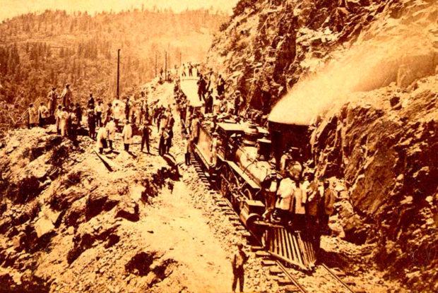 山岳部の鉄道建設現場(Central Pacific Railroad Photographic History Museum)