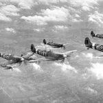 「バトル・オブ・ブリテン」を象徴する英機スピットファイアの編隊(History Hit)
