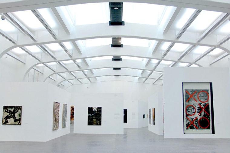 2007年に北京のユーレンス現代美術センターで開かれた「85新潮:中国で初めての現代美術運動」展の会場