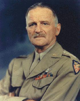 米陸軍航空軍のヨーロッパ方面司令官カール・スパッツ(U.S. Air Force)