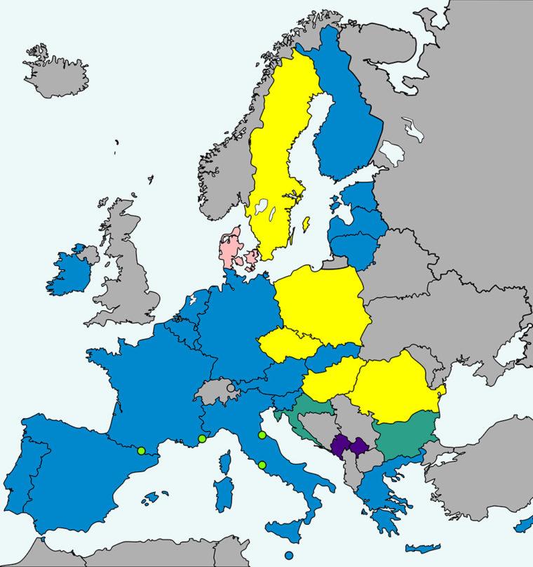 欧州におけるユーロ圏。青がユーロ導入済みの国