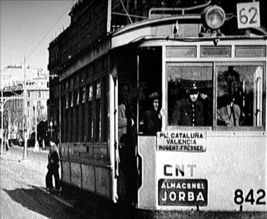 集産化されて労働者自身の手によって運営されたバルセロナ市電の写真(CNTサイトより)