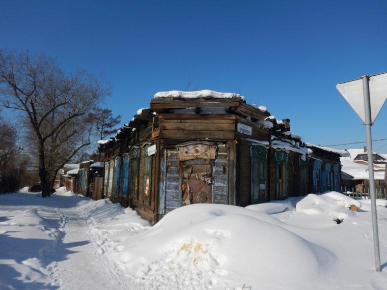 イルクーツク市内に残る、火災に遭った建物