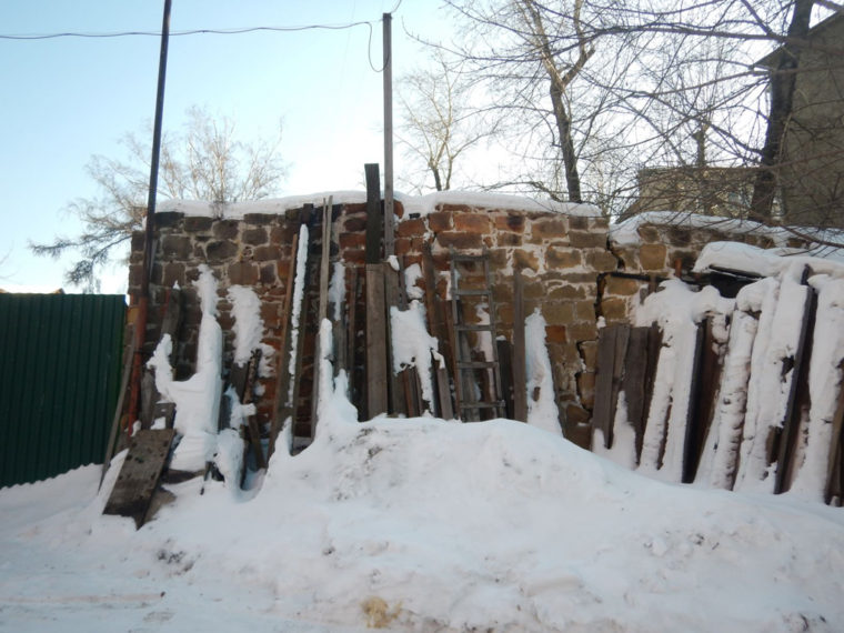 イルクーツク市内に残る防火壁の跡
