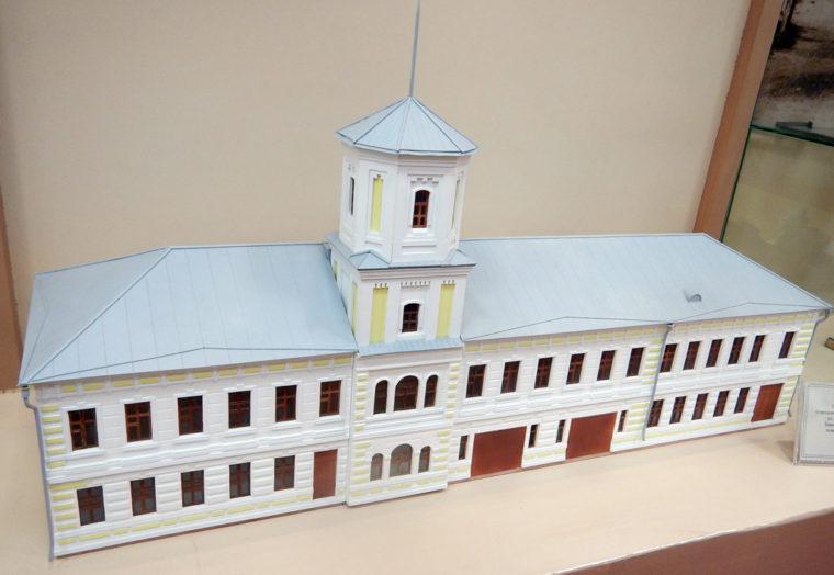 1883年にイルクーツク市内に建てられた消防署の模型