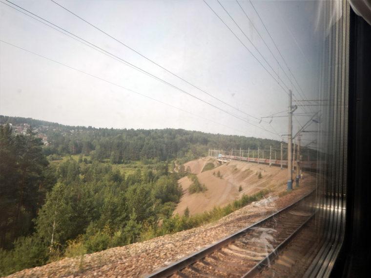 シベリア鉄道の車両はたいてい、たいへん長い