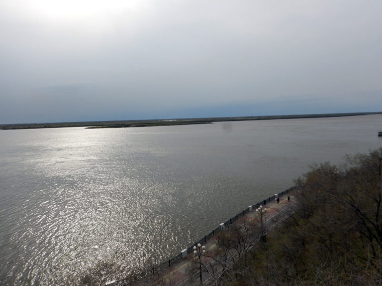 ハバロフスクから見たアムール川。ウスリー島と中国を望む